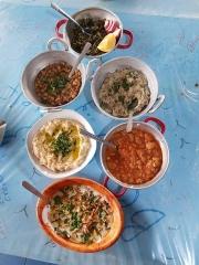 izraeli-konyha-sok-tal-salata