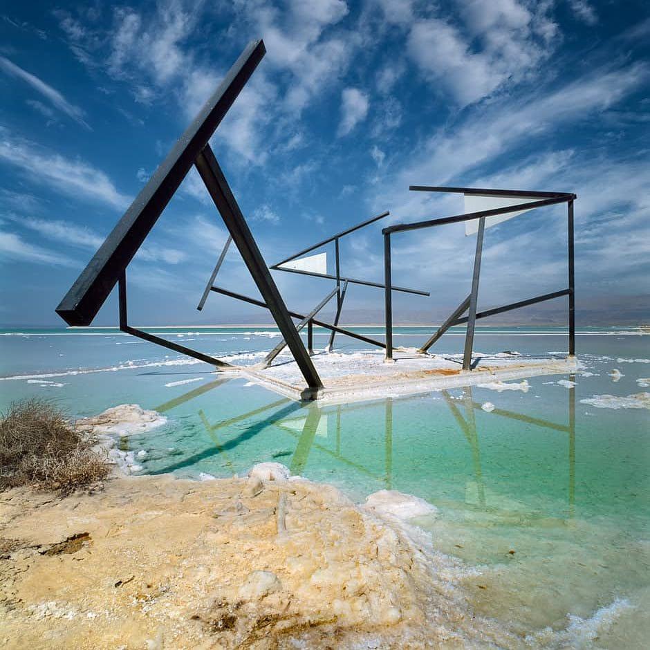Szobor a Holt-tenger partján