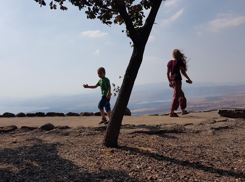 Kilátás a Kineretre a Golán-fennsíkról