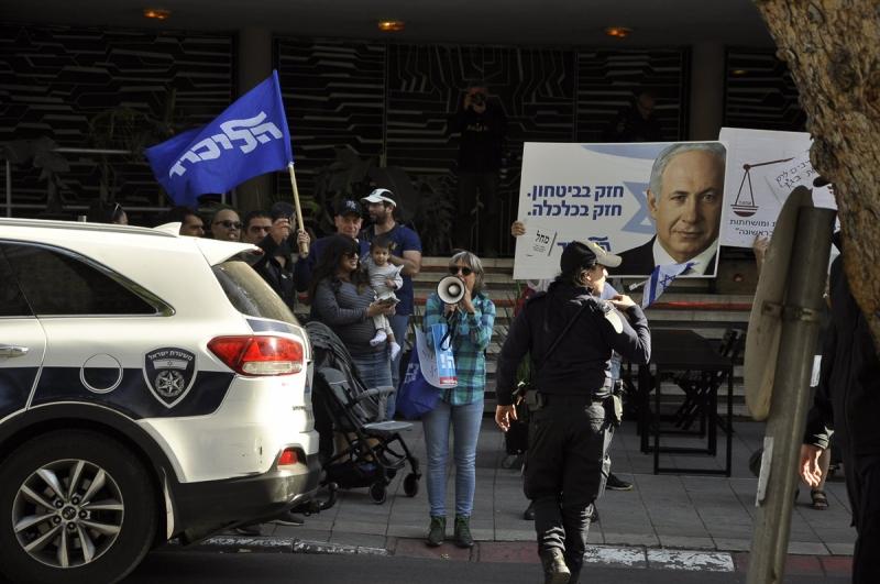 tuntetes-tel-avivban-netanjahu-ellen-mellett-6