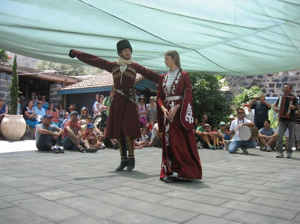 Cserkesz tánc a fesztiválon