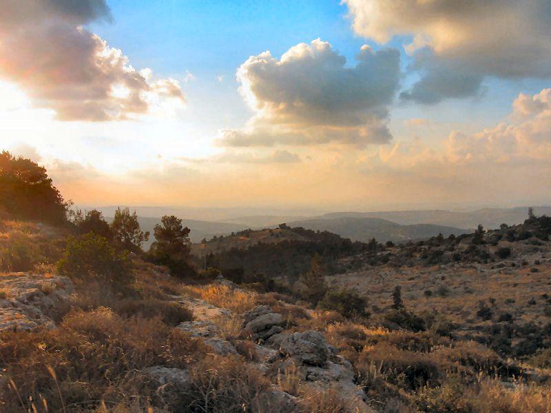 Kilátás Beit Meirből a Júdeai hegyekre