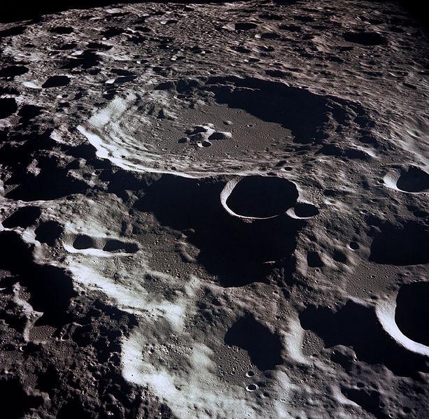 hold-kraterek