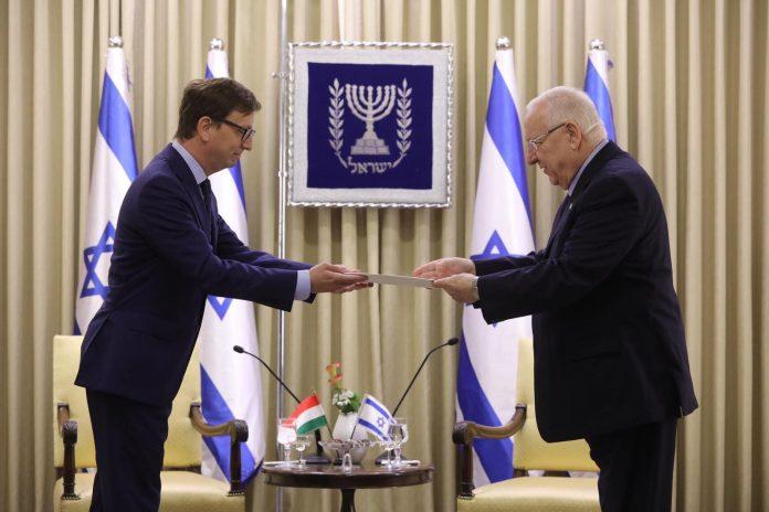 benko levente izraeli magyar nagykovet es reuven livlin