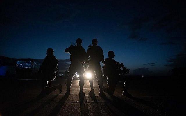 izraeli hadsereg katonai ejszaka