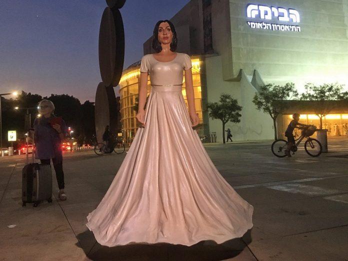 miri regev szobor 8