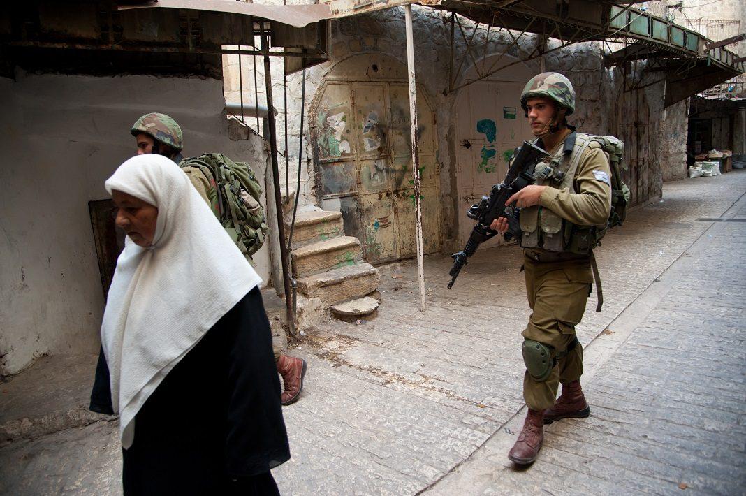 izraeli katonak es palesztin no hebronban