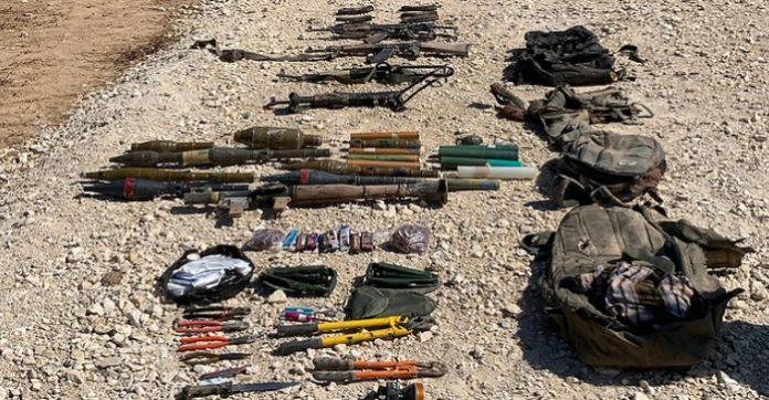 A palesztinoknál talált és lefoglalt fegyverek - fotó: IDF