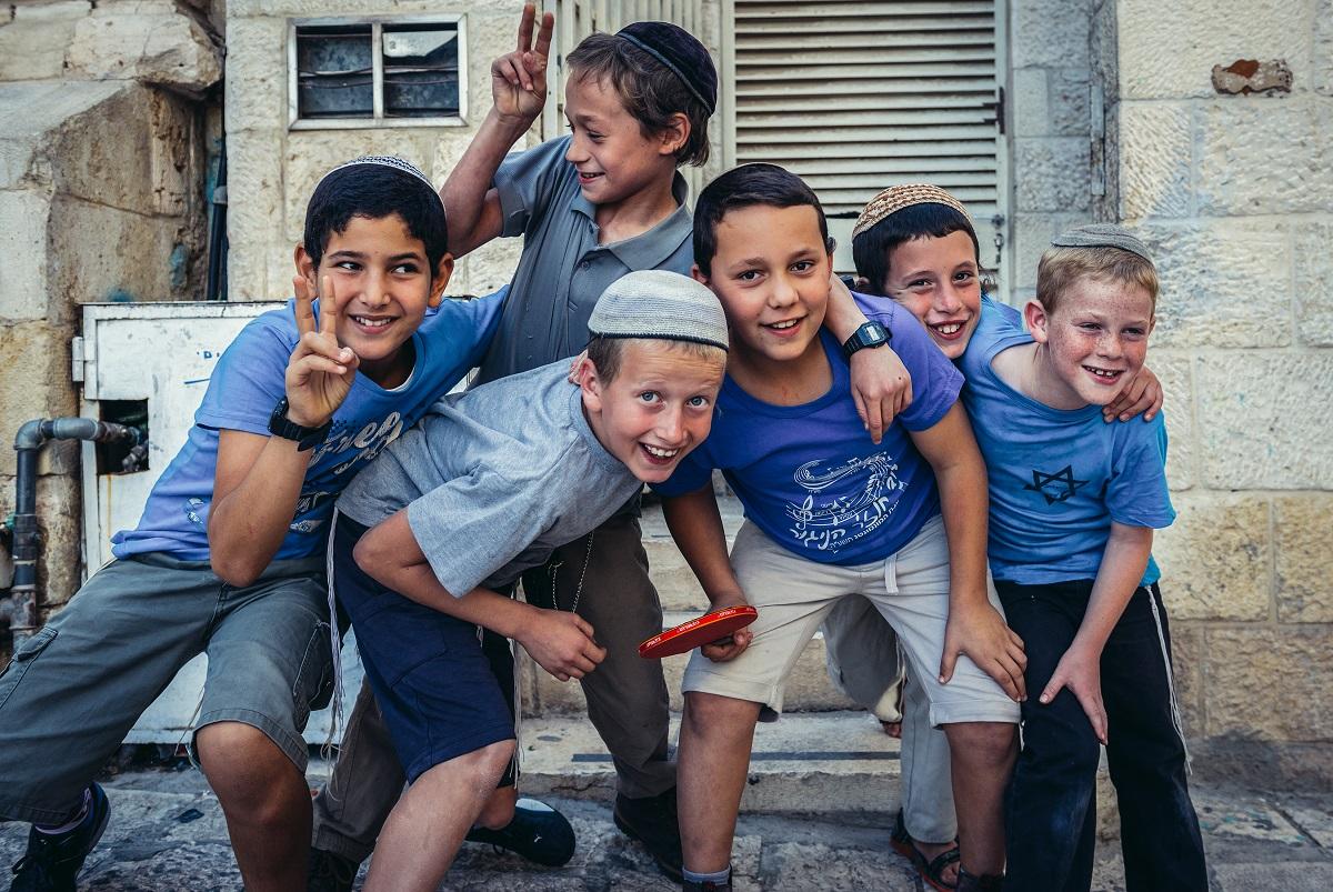 Statisztika: Izrael lakosságának 33 százaléka gyermek