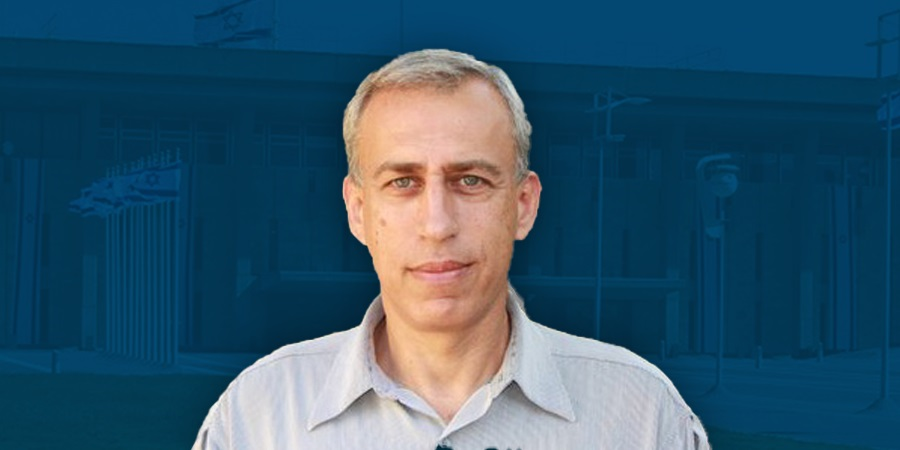 Jövő héttől a fodrászatok is kinyithatnak • Nachman Ash professzor az új koronabiztos