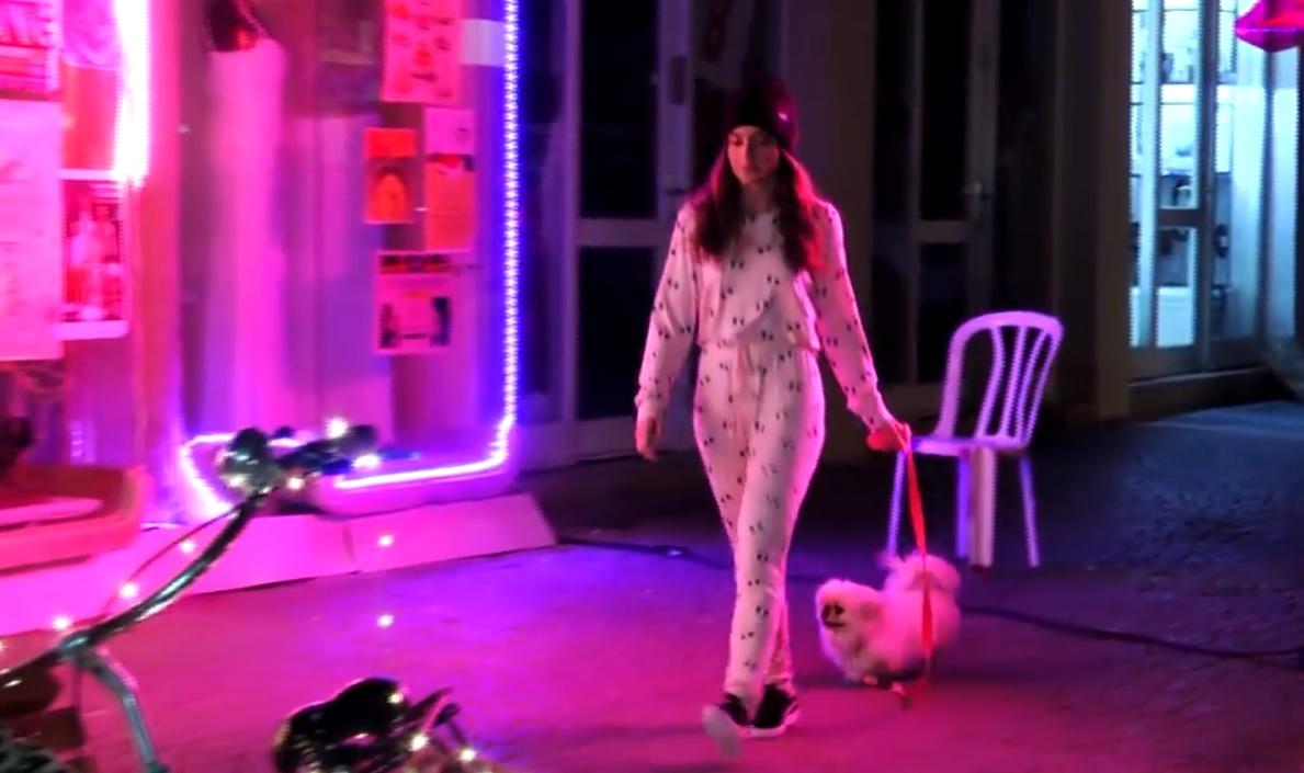Járványvége: street-fashion pizsamában