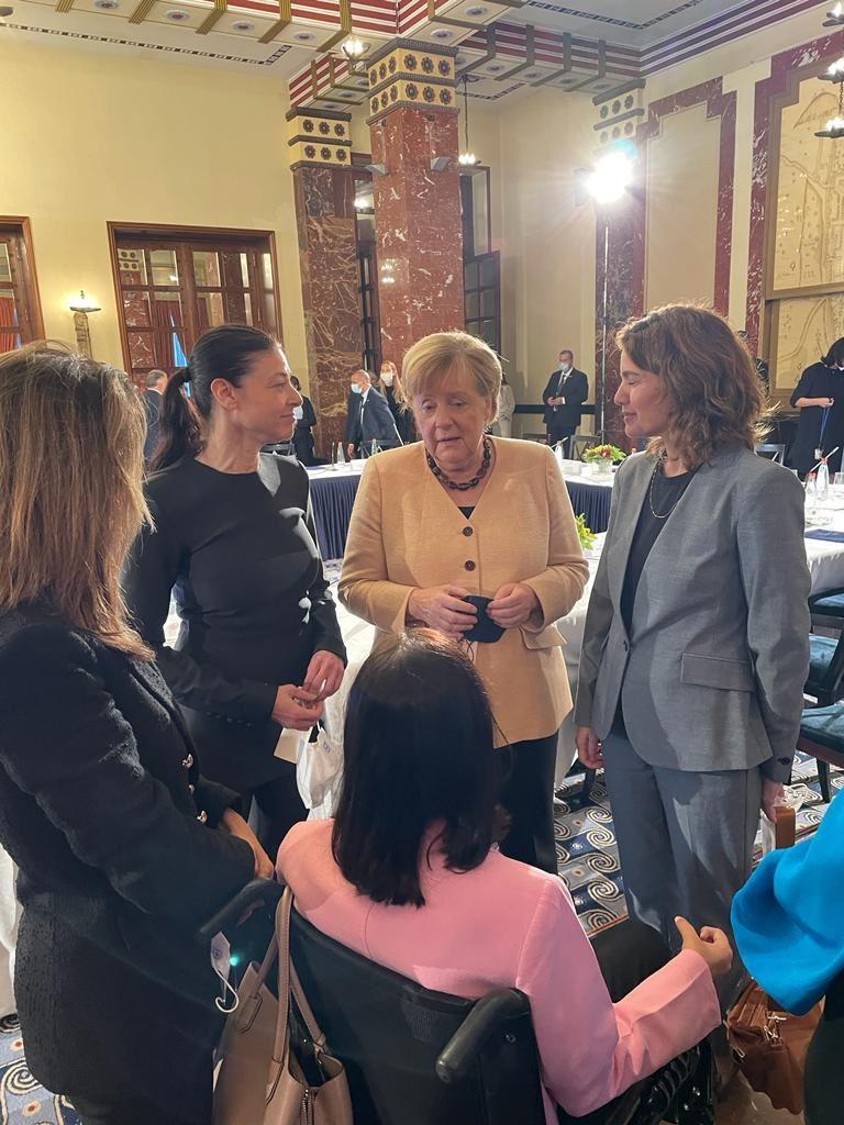 Merkel Jeruzsálemben kiállt az iráni atomfegyver ellen és a palesztin állam mellett
